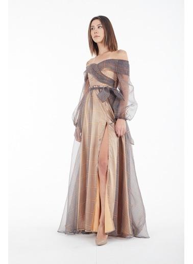 Belamore  Gold Uzun Kollu Kayık Yaka Beli Kendinden Kemerli Dijital Ekose Abiye & Mezuniyet Elbisesi 1301587-E.122 Altın